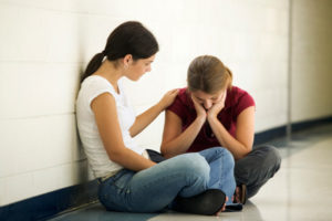 Cómo ayudar a un compañero que sufre bullying