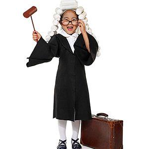 El niño juez verbaliza cómo resolver un conflicto